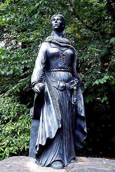 Grace O'Malley, statue Westport House