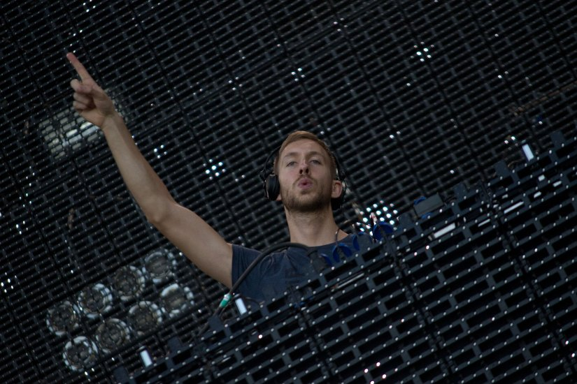 Calvin Harris, Carlos Delgado [CC BY-SA 3.0 (http://creativecommons.org/licenses/by-sa/3.0)], via Wikimedia Commons